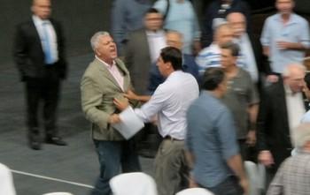 Briga Conselho Botafogo (Foto: Gustavo Rotstein)