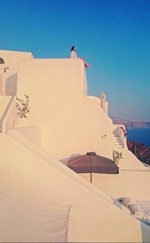 Carla Prata durante férias na Grécia (Foto: Reprodução/Instagram)