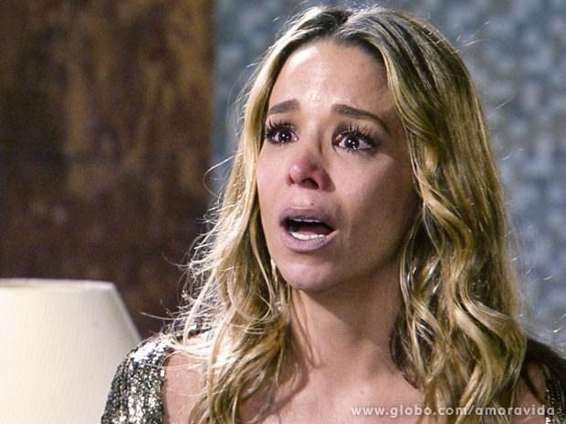 Aamrilys custa a acreditar no fora que levou (Foto: Amor à Vida/TV Globo)