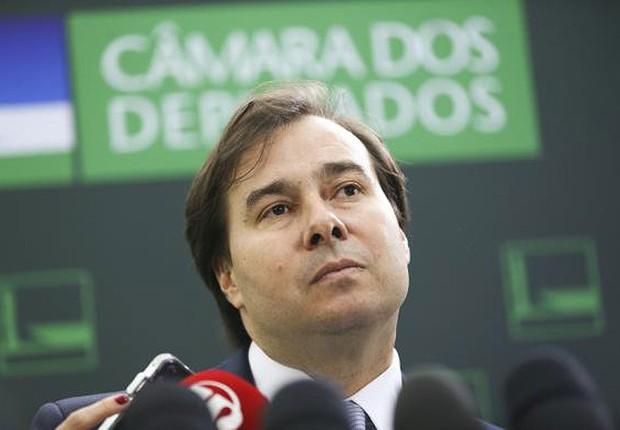 O presidente da Câmara dos Deputados, Rodrigo Maia (DEM-RJ), chega ao Congresso (Foto: Marcelo Camargo/Agência Brasil)