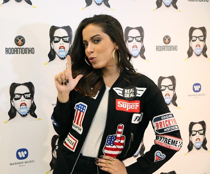 Anitta posa para o Gshow em coletiva de imprensa (Foto: Carol Caminha / Gshow)
