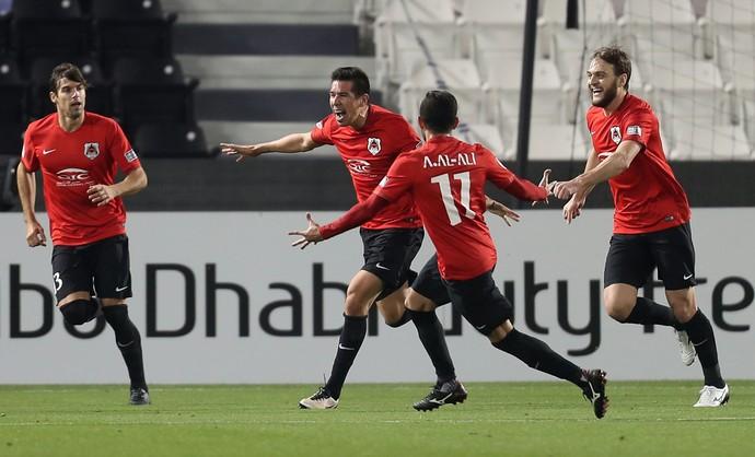 Cáceres participou dos dois gols da partida (Foto: KARIM JAAFAR / AFP)