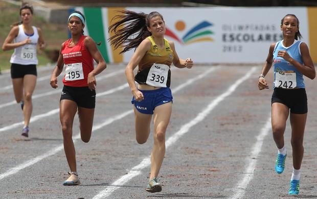 Disputa dos 400m atletismo Olimpíadas Escolares Iracema Apolinário (Foto: Andre Mourao/AGIF/COB)