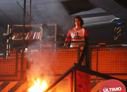 Último capítulo: Pedro é um dos heróis no incêndio na Ribalta