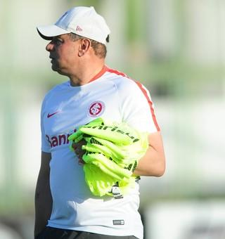 Celso Roth treino Inter Fortaleza (Foto: Ricardo Duarte/Divulgação Inter)