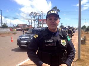 Inspetor da PRF Jefferson Oliveira rodovida operação prf acidentes estradas fim de ano (Foto: Jéssica Alves/G1)