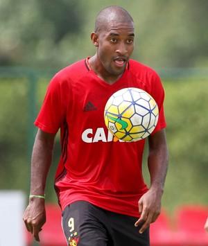 Edmilson Sport  (Foto: Marlon Costa/ Pernambuco Press)