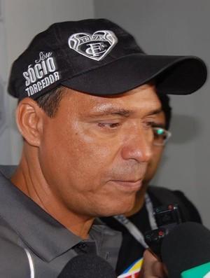 Everton Goiano, treinador do Treze no Presidente Vargas (Foto: João Brandão Neto / GloboEsporte.com/pb)