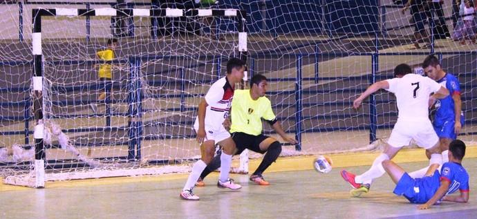 Vivaz abre na liderança com maior saldo de gols (Foto: Imagem/Tércio Neto)