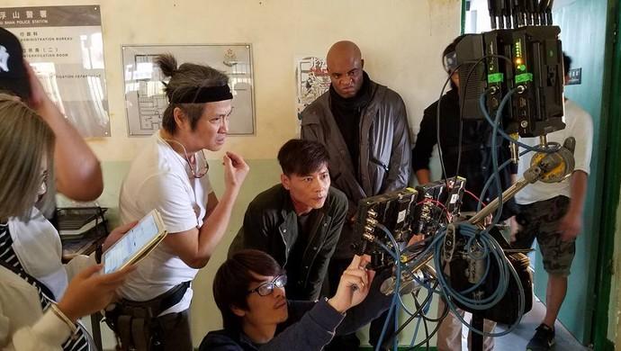 Anderson Silva filma na China (Foto: Reprodução / Facebook)