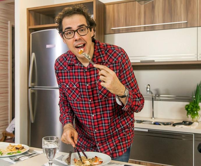 Fernando Ceylão conta, nos bastidores do 'Super Chef', sobre sua dieta: menos 36kg na balança (Foto: Artur Meninea/Gshow)
