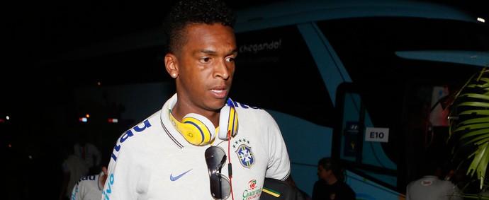 Jô Seleção chegada Fortaleza (Foto: Rafael Ribeiro / CBF)