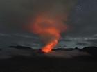 Foto mostra Vulcão Bromo, na Indonésia,  em atividade