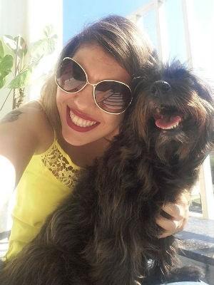 Cadelinha é a companheira inseparável da dona em todas as viagens (Foto: Arquivo pessoal)