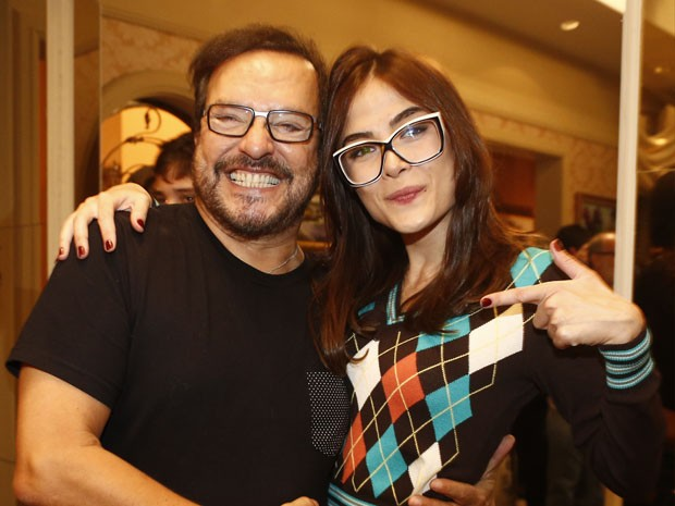 Maria Casadevall posa ao lado do diretor Wolf Maya (Foto: Raphael Dias/Gshow)