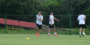 uruguai treino ct sport diego forlán (Foto: Aldo Carneiro / Pernambuco Press)