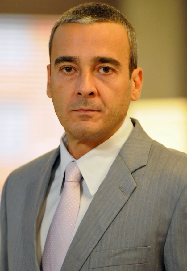 Alexandre Borges interpreta Raul Cadore, rico empresário que vive um momento difícil, em Caminho das Índias (Foto: CEDOC Globo)