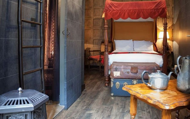 Quarto temático de Harry Potter no hotel de Londres (Foto: The Georgian House/Wizard's Chambers/Divulgação)