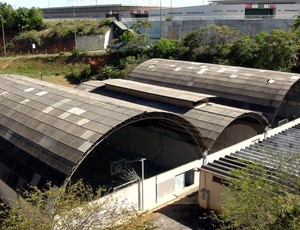 Pista de atletismo no estádio de Pituaçu (Foto: Ida Sandes/G1 Bahia)