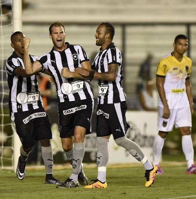 gol - Joel Carli - Botafogo (Foto: André Durão)