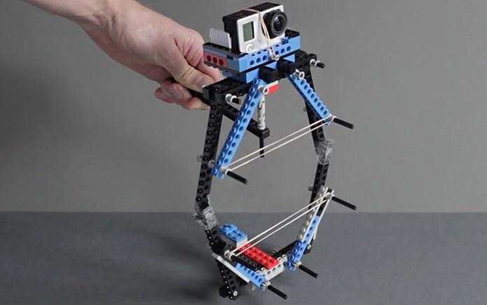 Estabilizador DIY feito de Lego promete imagens melhores com o uso da câmera GoPro (Foto: Divulgação/ProductTank)