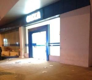 Agência da Caixa Econômica da Av. Tomaz Landim, na Zona Norte de Natal, também foi atacada (Foto: PM/Divulgação)