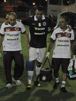 Júlio Cesar se lesionou no clássico contra o Vitória (Foto: Marcelo Prest/A Gazeta)