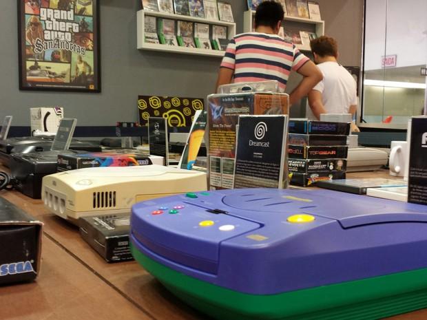 Consoles de décadas passadas estão em exposição em Blumenau (Foto: Neumarkt Shopping/Divulgação)