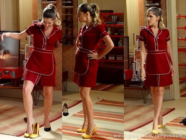 Tina faz carão e sai desfilando em sua versão de Amora (Foto: Sangue Bom / TV Globo)