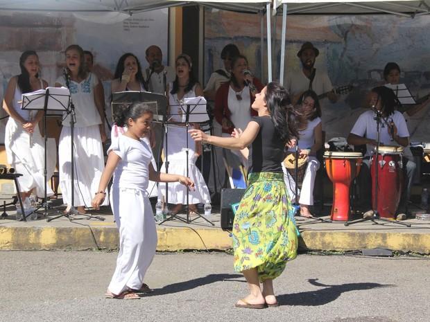 Música na feira em Teresópolis (Foto: Vanusa Lima/Divulgação)