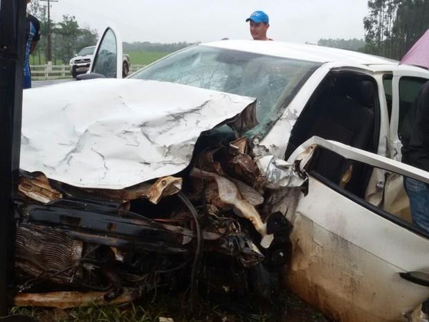 Acidente aconteceu na GO-330, em Campo Limpo de Goiás (Foto: Arquivo pessoal/ Marcelo Santos)