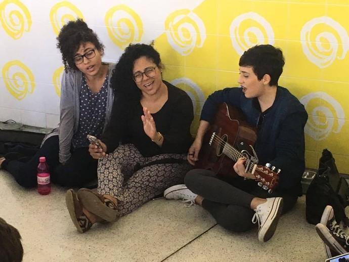 O público pediu músicas e elas soltaram a voz! (Foto: arquivo pessoal)