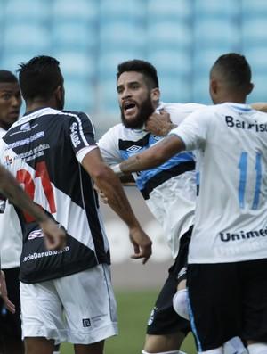 Confusão envolvendo Marcelo Oliveira no amistoso Grêmio x Danubio