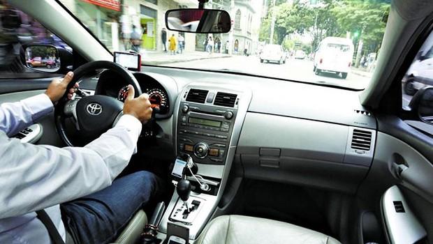Motorista do aplicativo Uber (Foto: Reprodução/Facebook)
