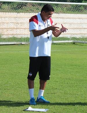 Flávio Araújo - Técnico do River-PI (Foto: Abdias Bideh/GloboEsporte.com)