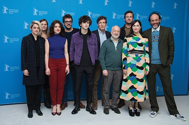 BERLIN, GERMANY - FEBRUARY 13: Victoire du Bois, guest, Esther Garrel, producer Rodrigo Teixeira, Timothee Chalamet, producer Peter Spears, writer Andre Aciman, actors Armie Hammer, Amira Casar and director Luca Guadagnino attend the 'Call Me by Your Name (Foto: Corbis via Getty Images)