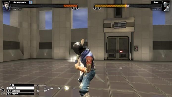 Para tornar suas sequências ofensivas mais poderosas, o jogador pode alternar o estilo de luta enquanto golpeia (Foto: Reprodução/Daniel Ribeiro)