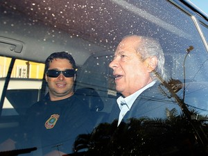 José Dirceu é preso pela PF na Operação Lava Jato (Foto: Dida Sampaio/Estadão Conteúdo)