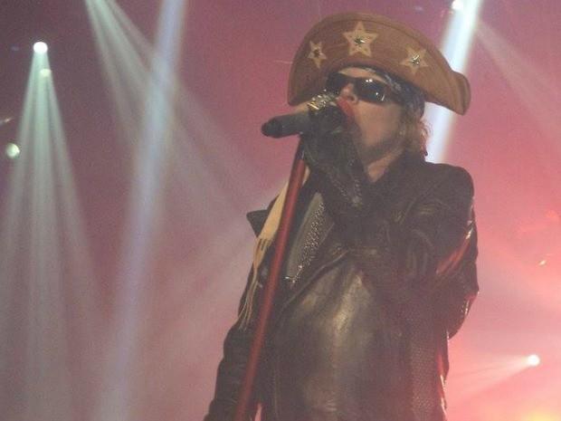 Axl Rose usou chapéu de cangaceiro em show em Fortaleza (Foto: Guns N'Roses/Divulgação)