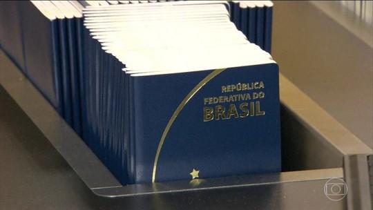 Produção de passaportes é retomada após quase 1 mês