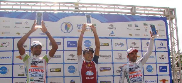 Pódio Volta Ciclística (Foto: Filipe Rodrigues/ Globoesporte.com)