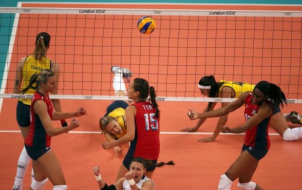 brasil x eua volei feminino (Foto: Reuters)