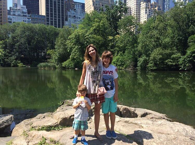 Luciana Gimenez com Lucas e Lorenzo (Foto: Instagram/Reprodução)