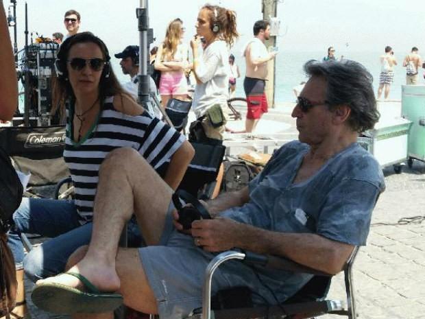 Casados, Susana Garcia e Herson Capri dirigem srie 'Os Homens so de Marte e  pra l que eu vou' na praia do Arpoador (Foto: Renata Pinheiro/ GNT)