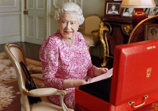 Rainha Elizabeth II (Foto: Linda McCartney / Divulgação)