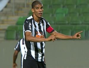 Leonardo Silva em ação pelo Atlético-MG diante o Flamengo (Foto: Reprodução/TVGLOBO)