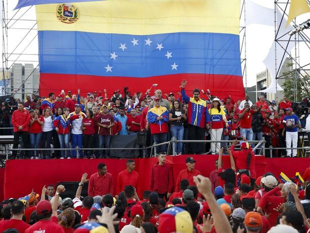 O presidente Nicolás Maduro faz comício nesta quinta-feira (3) para encerrar campanha por legisladores chavistas nas eleições (Foto: REUTERS/Carlos Garcia Rawlins)
