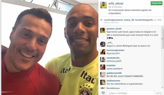 Maicon homenageia Julio César após atuação do goleiro contra o Chile (Foto: Reprodução/Instagram)
