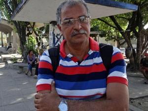 Clemilson Santana sai de Barra de Jangada até a Cidade Universitária (Foto: Katherine Coutinho / G1)