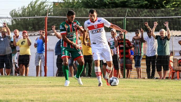 Neto Baiano, atacante do CRB (Foto: Ailton Cruz / Gazeta de Alagoas)